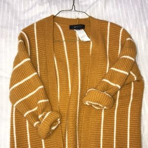 A forever 21 cardigan